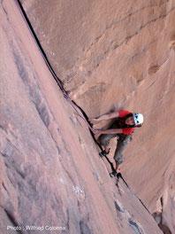 """Dièdre """"coupé au couteau"""", Wadi Rum"""