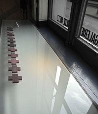 broches papier - galerie Hilde Metz - Anvers