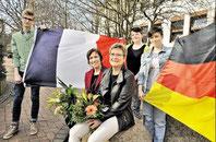 Deutsch-französische Freundschaft: Catherine Miel (links) aus Vanves und Gabriele Schröder, Philip Jungnitz (15, von links), Judith Peterhansel (15) und Julie Prouthois (17) (haz)