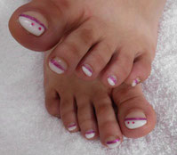 Fußpflege, Pediküre, Fußpilzbehandlung, Gel für Füße, Gelfüße, Frenchfuß mit weißer Linie, Fußbehandlung, Lünen