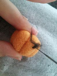 羊毛フェルト ジャックオランタンの作り方