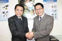 写真:志垣 太郎さんと弊社代表取締役 林 輝との対談写真