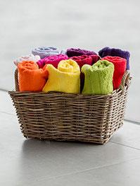 Handtücher mit Logo-Badetücher-Bademantel kaufen-besticken-bedrucken