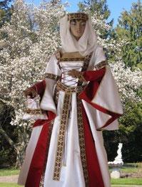 Mittelaltergewandung, Mittelalterkleid aus dem Atelier Mittelalter-Fashion,