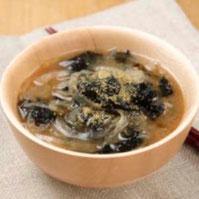 玉ねぎと海苔の味噌汁