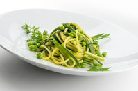 Pasta mit Erbsen und grünen Bohnen