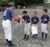 Bチーム優勝、MVPのチヒロ(右端)が大きく貢献