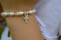 """Armkettchen """"Infinity white"""" mit Kreuz"""
