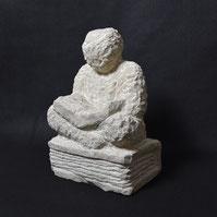 Der Leser, Sandstein, Alexandra Kapogianni-Beth, www.bildhauerwerke-ak.de