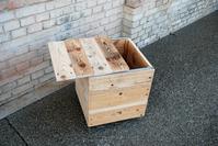 --HEXAEDER--Holzwürfel auf Design-Rollen