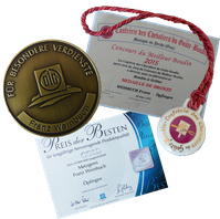 Bild: Auszeichnunge für die Metzgerei Weinbuch in Öpfingen; Original Öpfinger Schwarzwurst; Schwarzwurstritter; Wurstkonserven; Wurstglas; Wurst im Glas; Wurstwaren haltbar; Onlineshop  - Wurst online bestellen; Schwarzwurst; Blutwurst