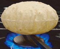 フライパンロティは 最後は直火で・・     こんなに膨らむんですよ!