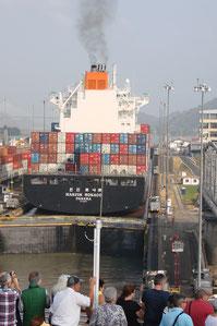 Einfahrt in den Panamakanal