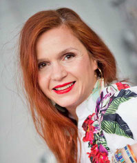 Nicoletta Savova est Maître praticien en hypnose Tours