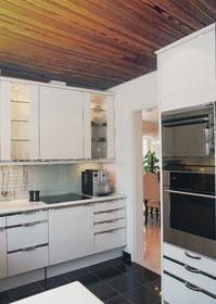 Bild Küche mit Holzdecke vorher