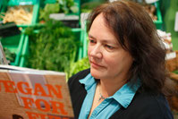 Bücher und vegane Lebensmittel bei natur pur in Herborn