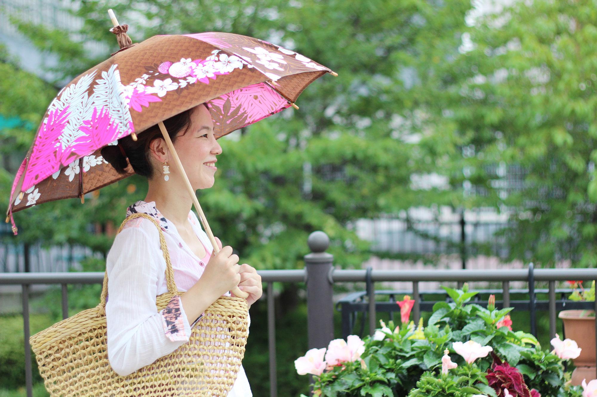 日傘シーズン到来。マスク着用による熱中症リスクは日傘で回避を!