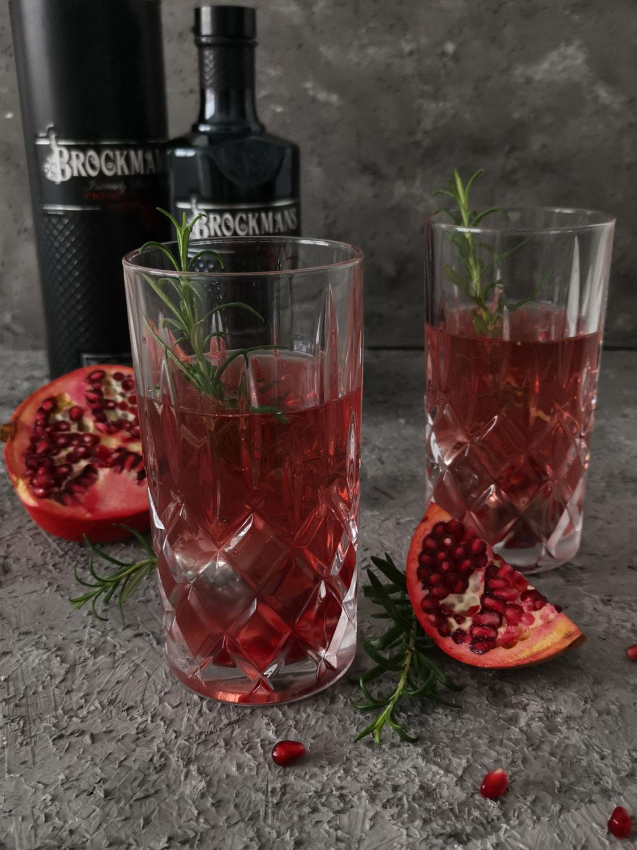 Gin Filz mit Granatapfel-Rosmarin-Sirup