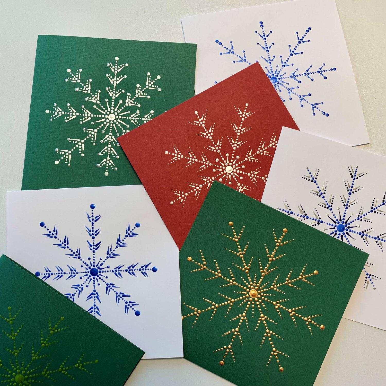 Weihnachtskarte mit Schneekristall