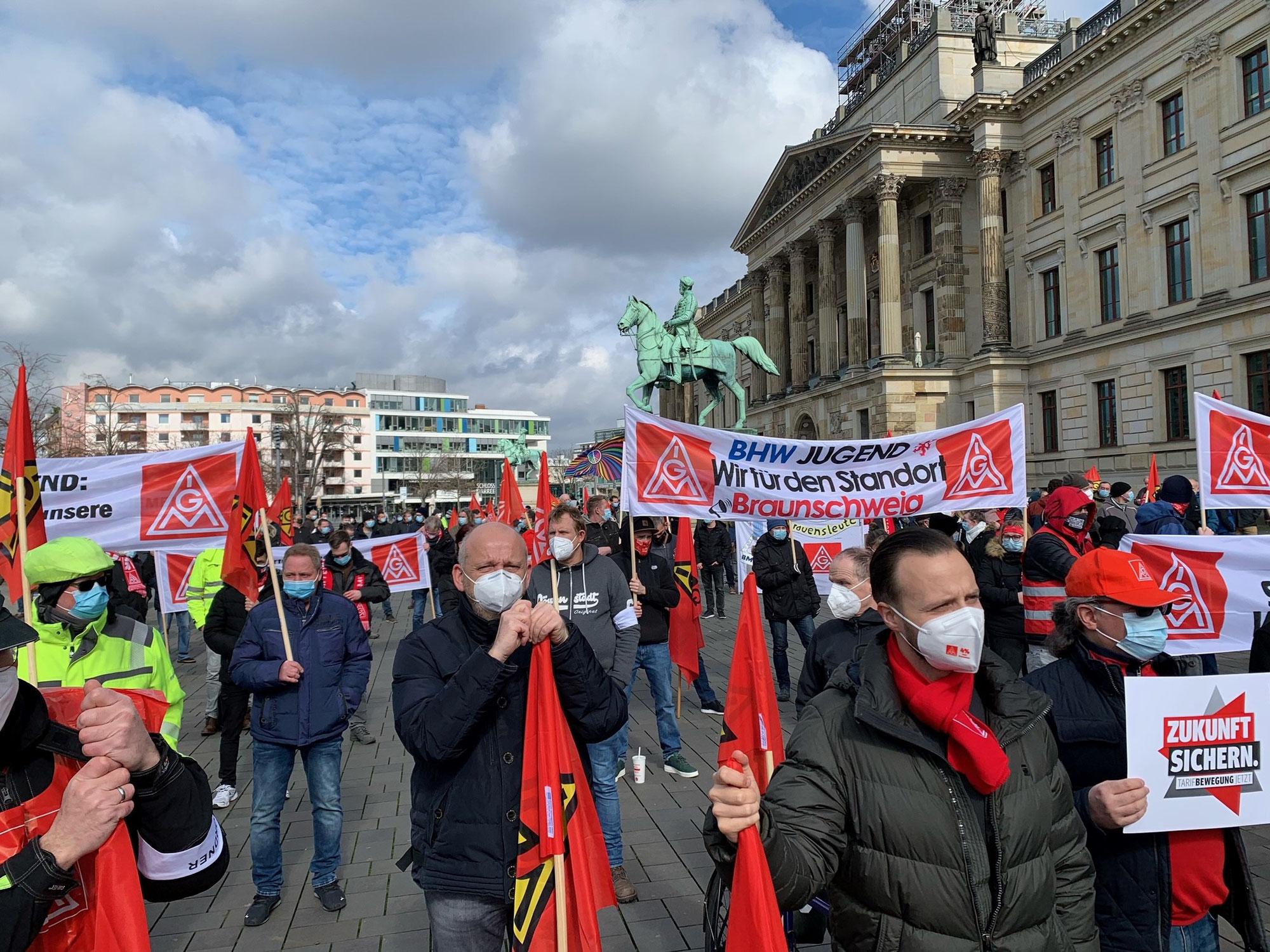 Tarifbewegung 2021 - Kundgebung auf dem Braunschweiger Schlossplatz