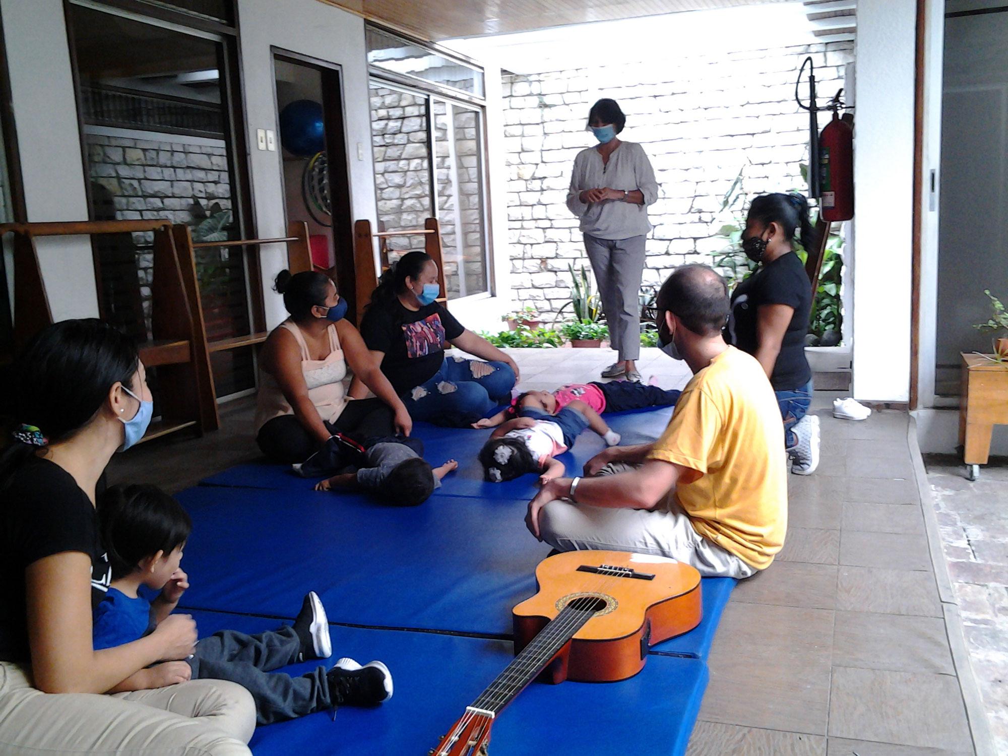 Hoffnungsvoll arbeiten im Kinderzentrum Guayaquil