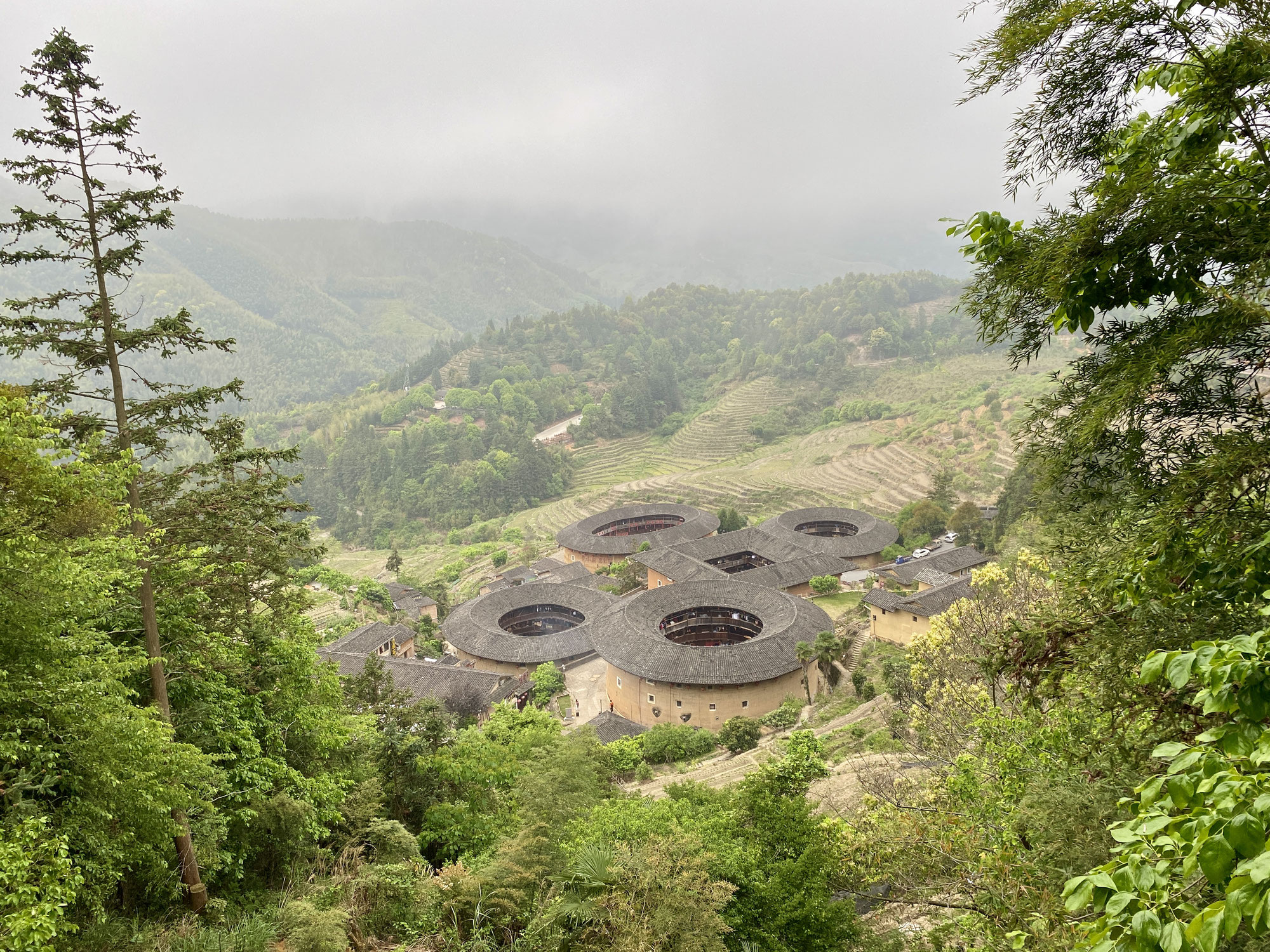 Tulou or not tulou: that is the question.