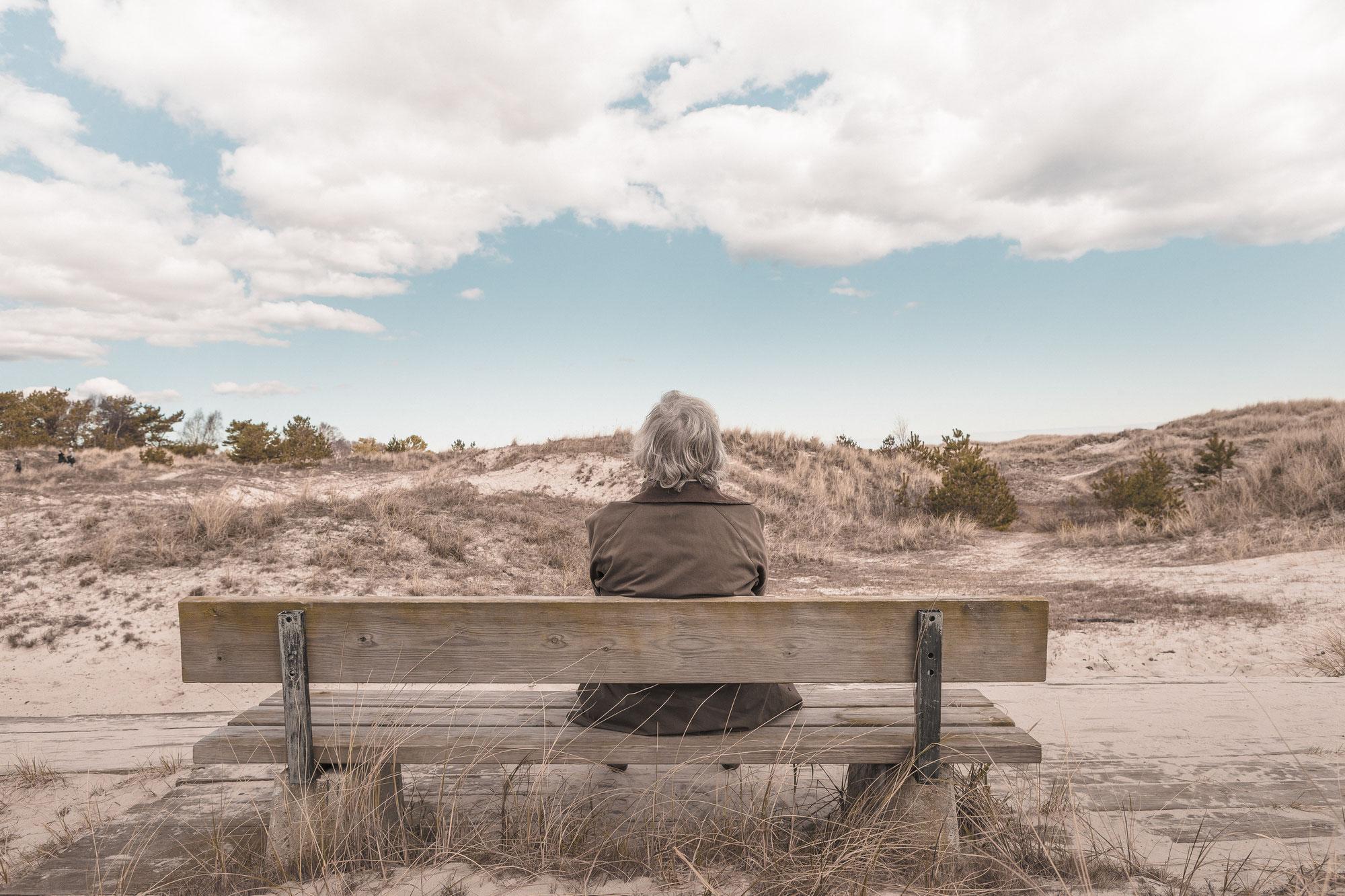 Systemische Aufstellungen und der Tod geliebter Menschen. Lernen, in einer Welt ohne einen geliebten Menschen zu leben
