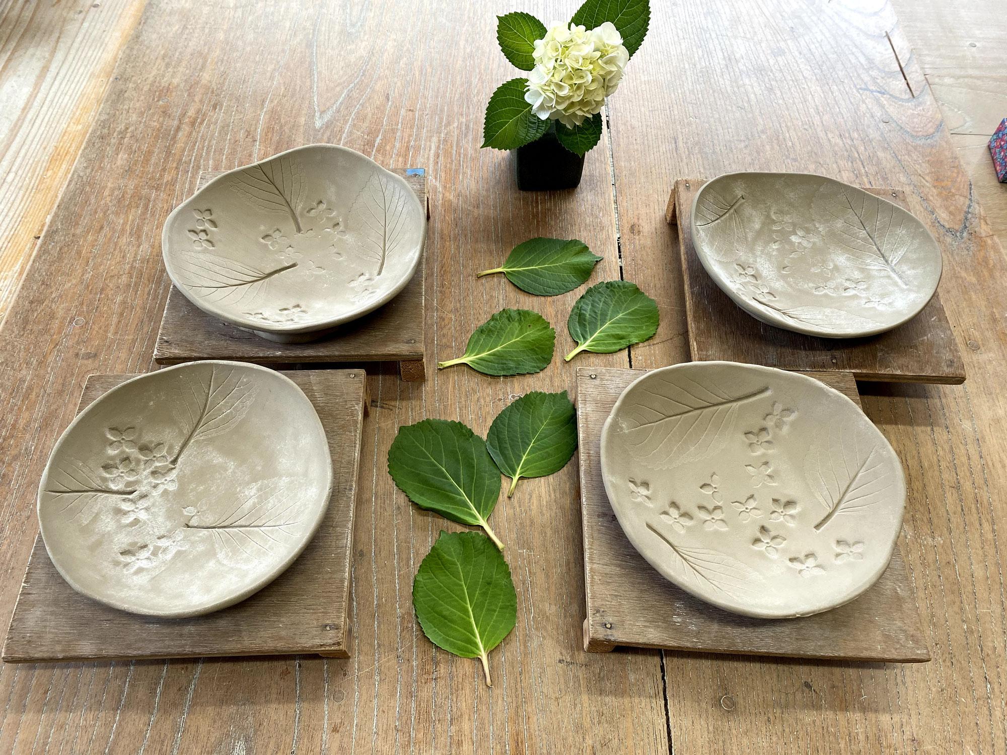 宮崎市 梅雨タイムの陶芸体験 「アジサイお皿」に挑戦♪