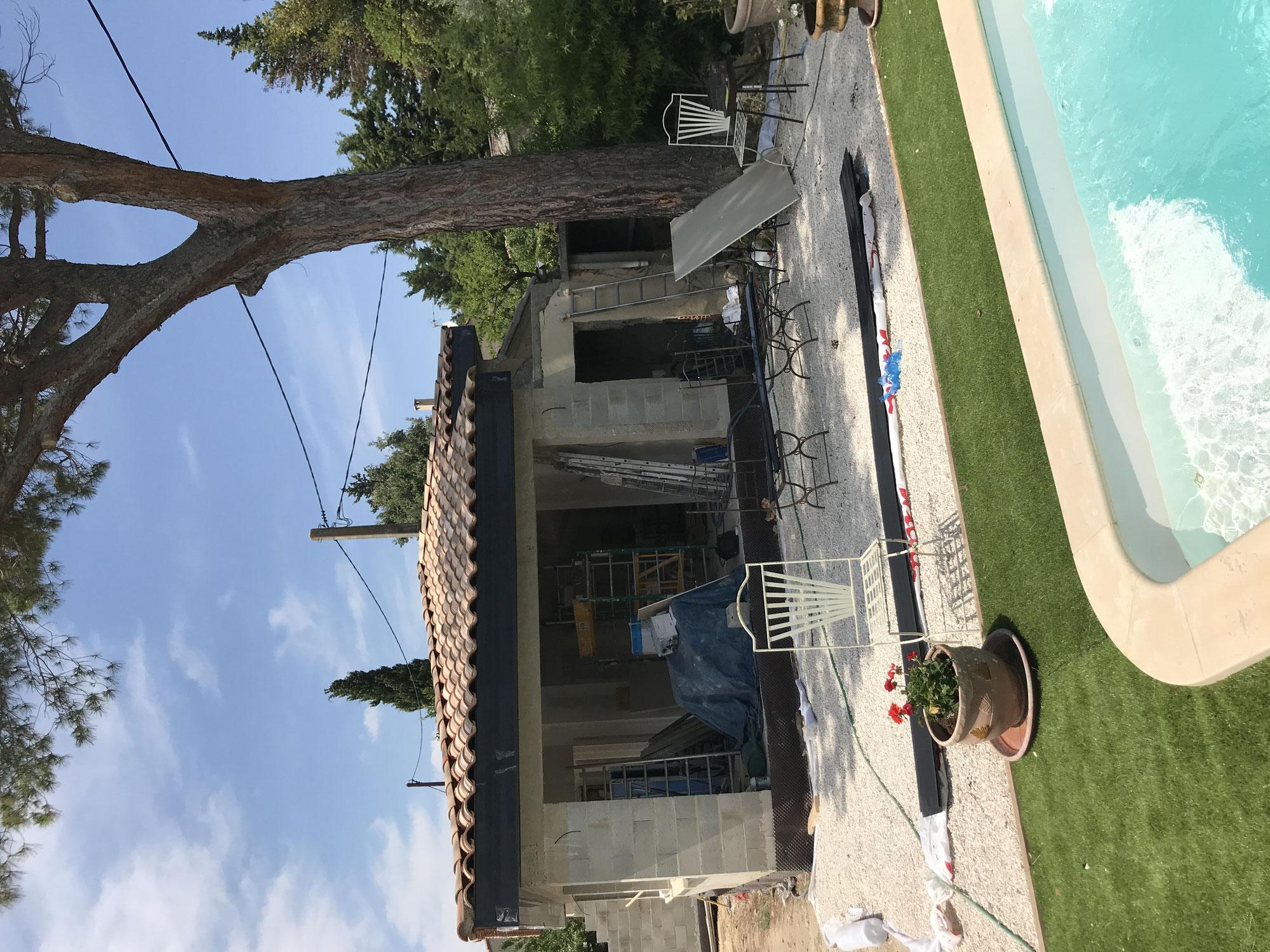 Construction Piscine Bagnols Sur Ceze maçonnerie, piscine, rénovation, gros oeuvre, toiture