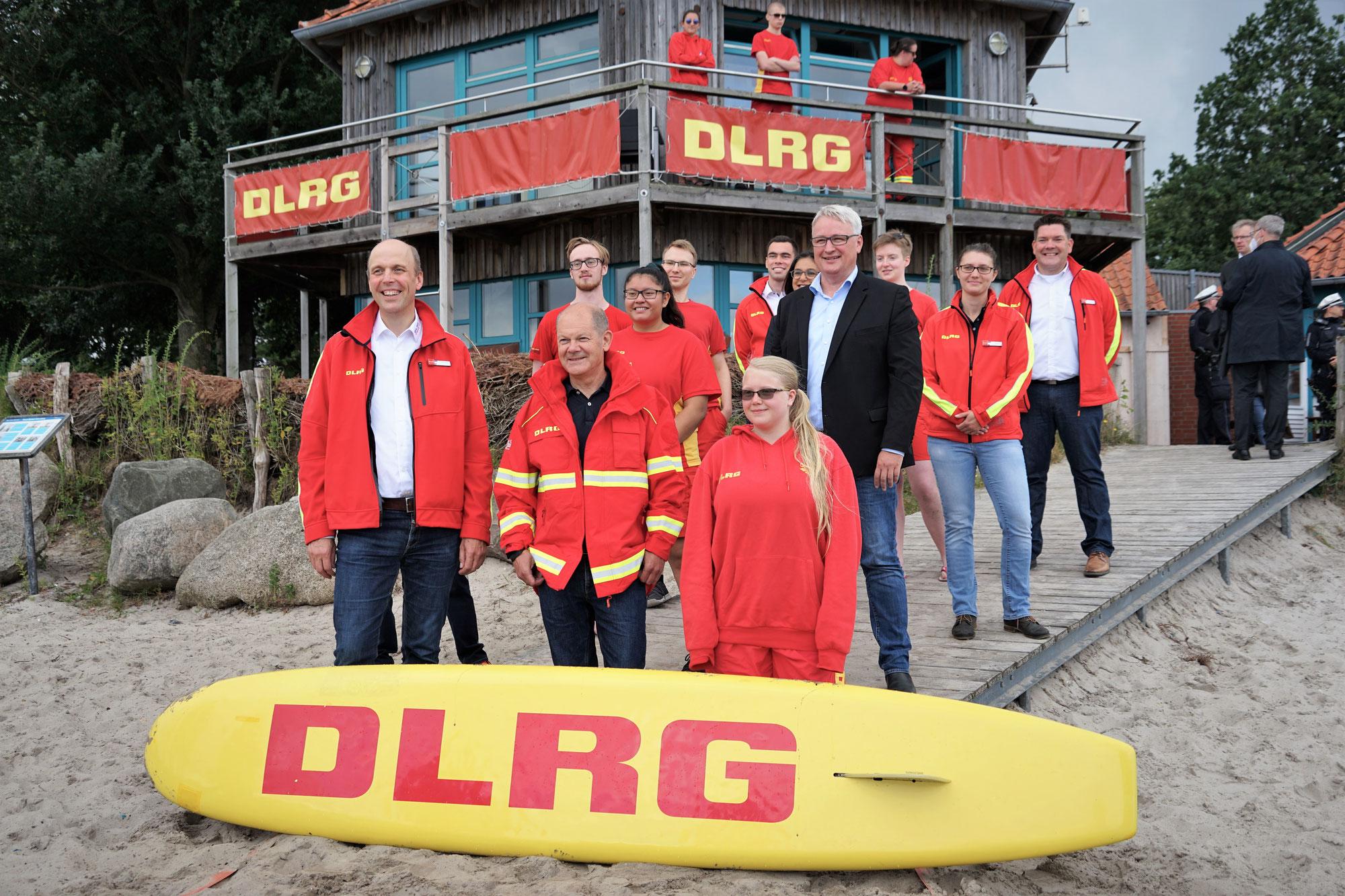 Olaf Scholz zu Besuch bei der DLRG in Eckernförde