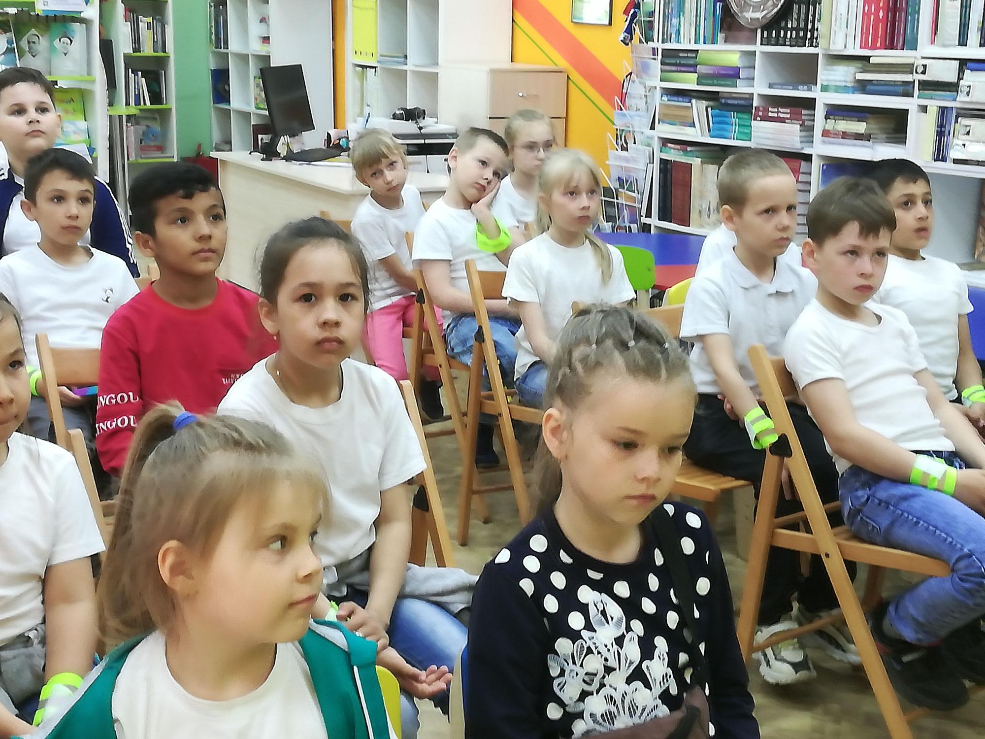 """Творческая программа «У книг нет каникул"""""""