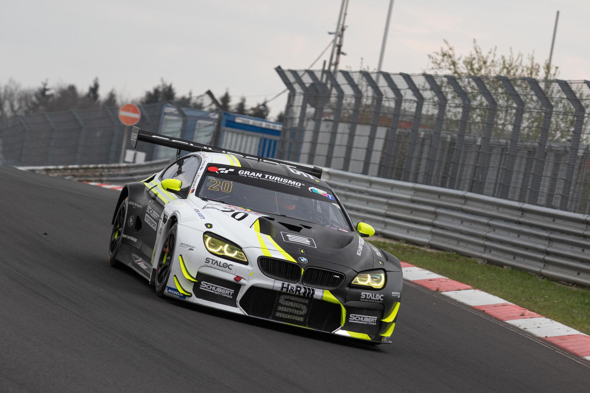 Schubert Motorsport setzt Ausrufezeichen in der NLS: Pole Position beim Comeback mit dem BMW M6 GT3 auf der Nordschleife