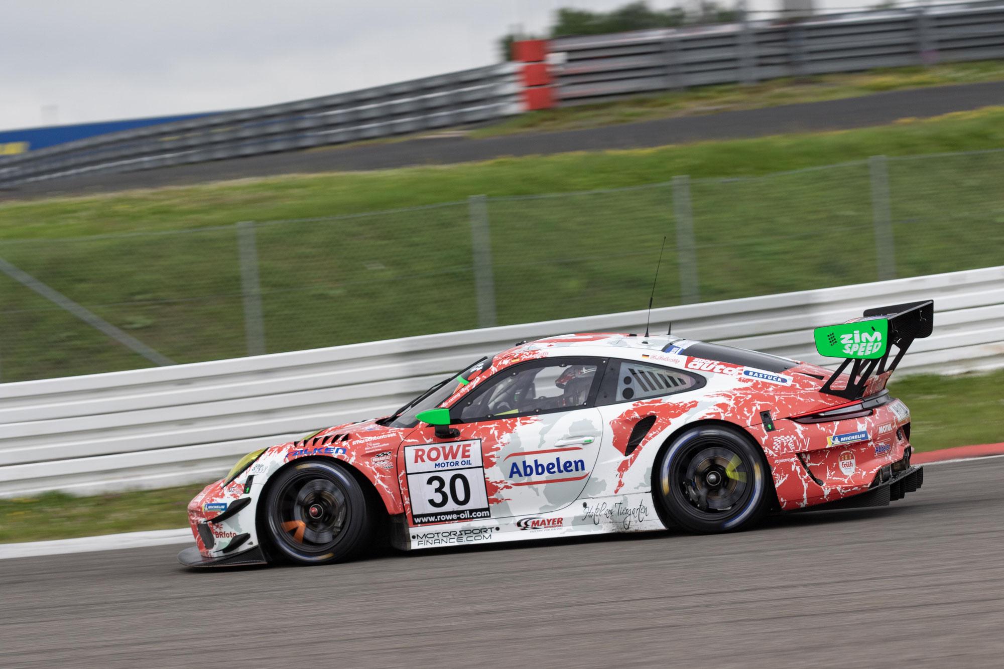 Erfolgreiches und lehrreiches Wochenende für Frikadelli Racing