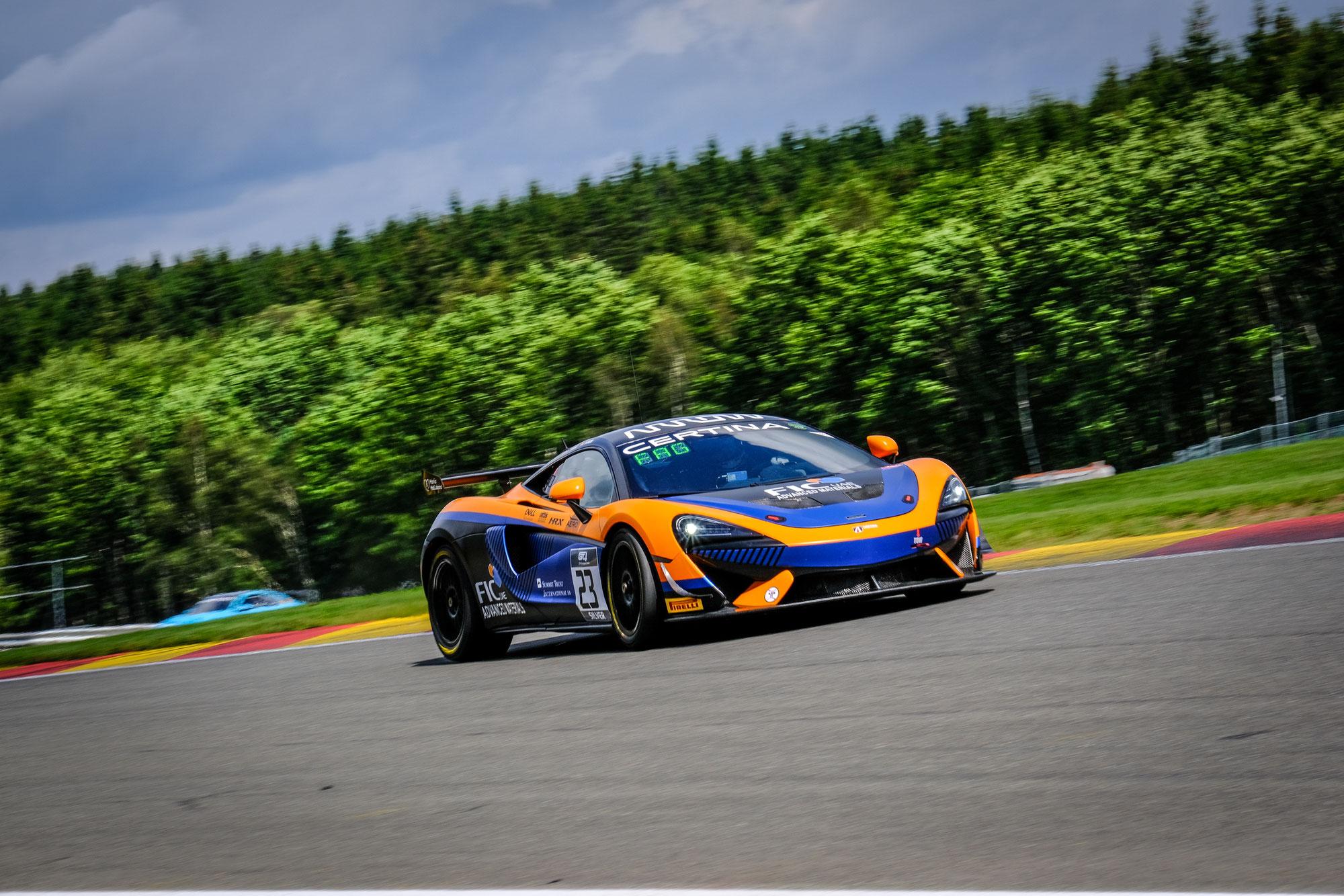 United Autosports McLaren und Mirage Racing Aston Martin an der Spitze der Startaufstellung für die Rennen in Spa