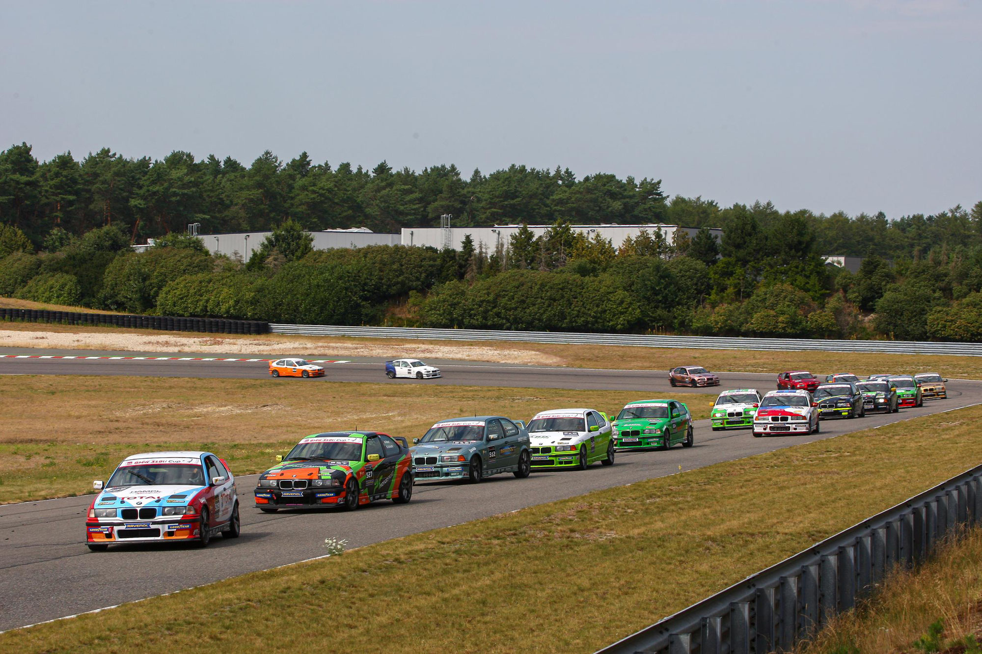 DMV BMW 318ti Cup startet mit 47 Fahrzeugen in die Saison 2021