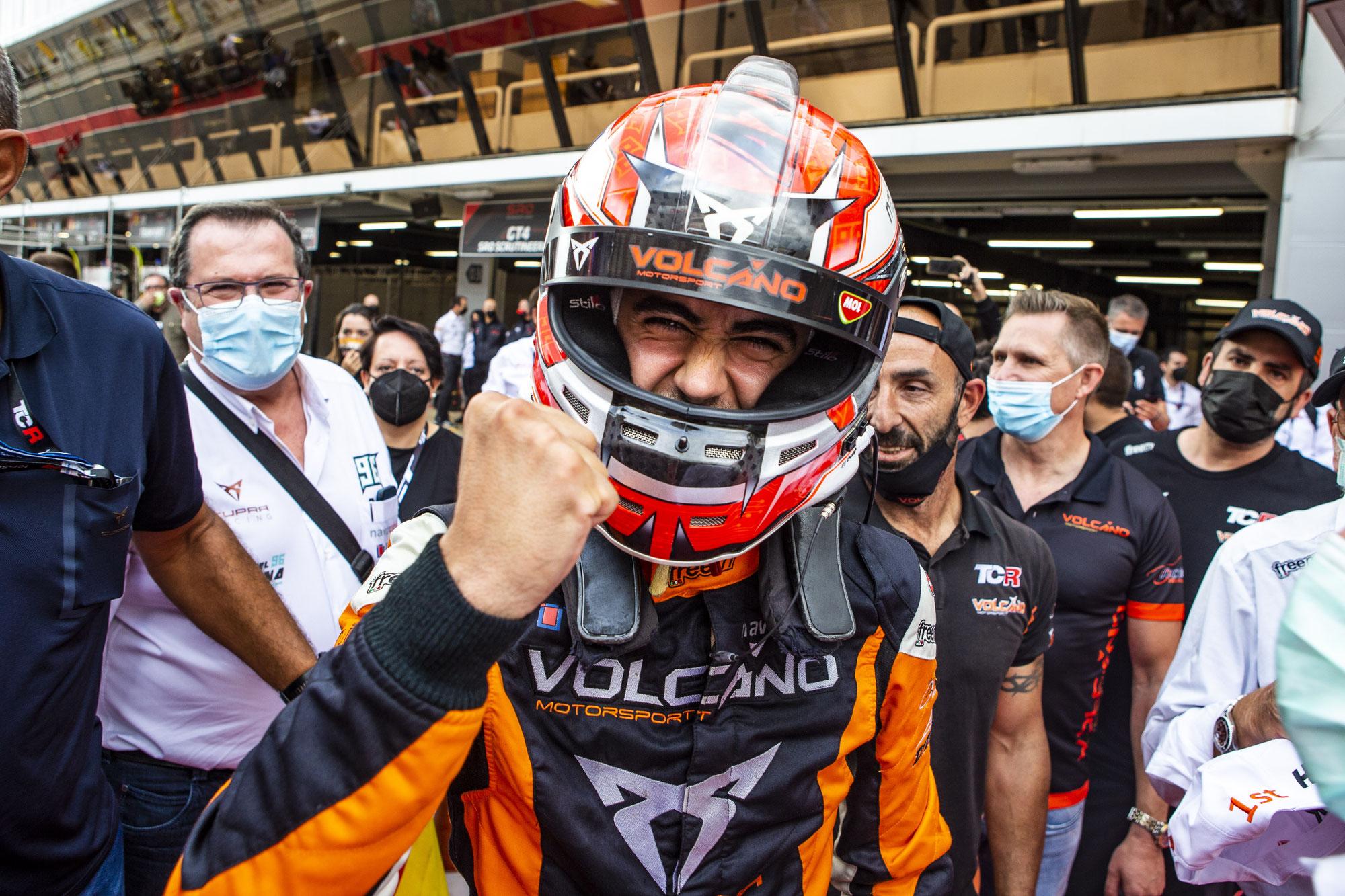 Mikel Azcona ist der neue Champion der TCR Europe