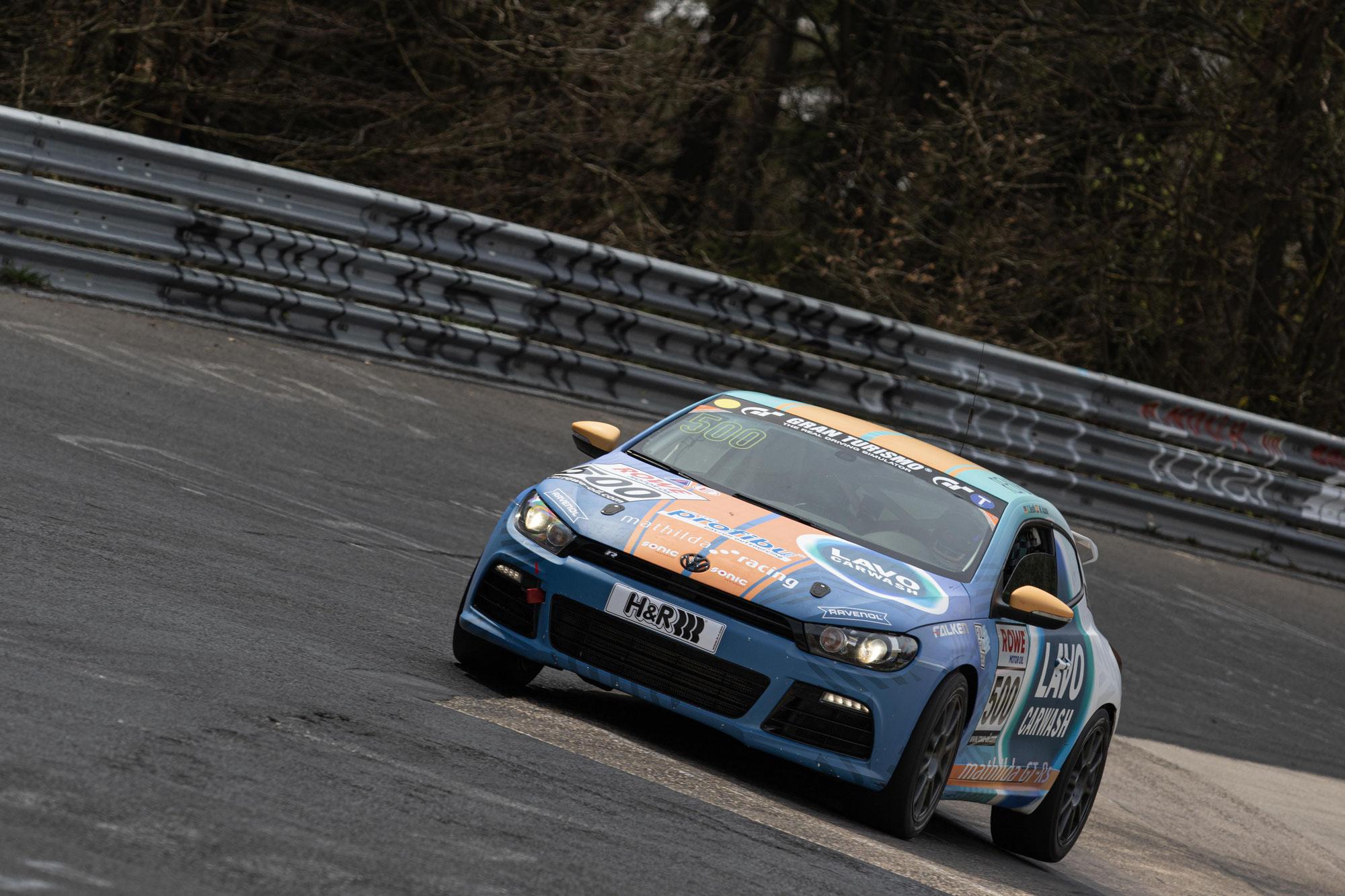 """Ein """"sauberes"""" Rennen mit dem Scirocco: mathilda racing bejubelt gutes Ergebnis in der teilnehmerstarken VT2-Klasse"""