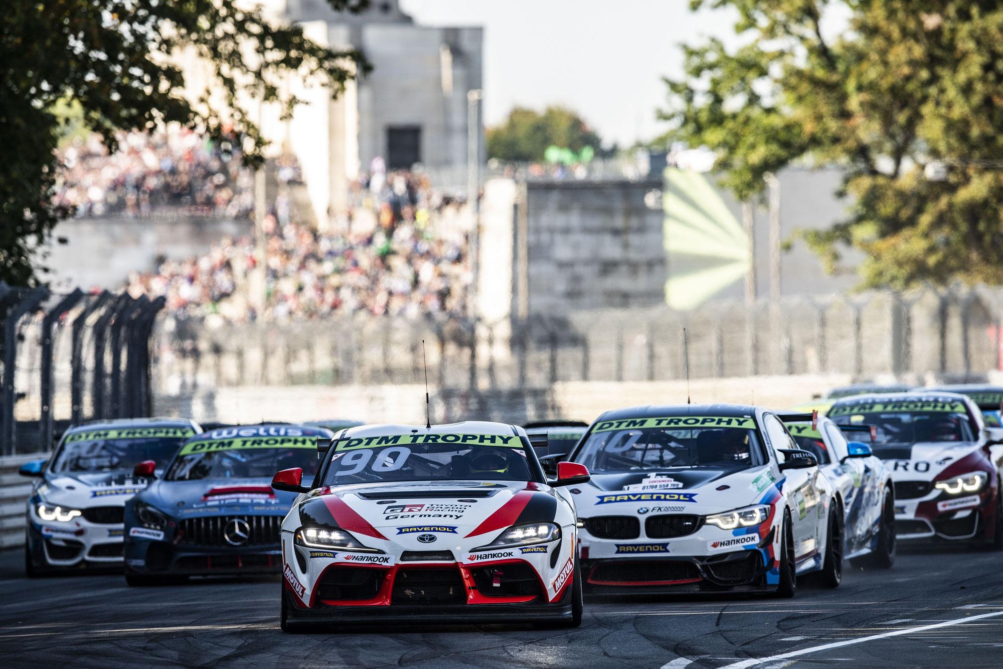Belgier Verdonck gewinnt im Toyota – Green liegt vor dem Finale der DTM Trophy sechs Punkte vor Landsmann Tregurtha