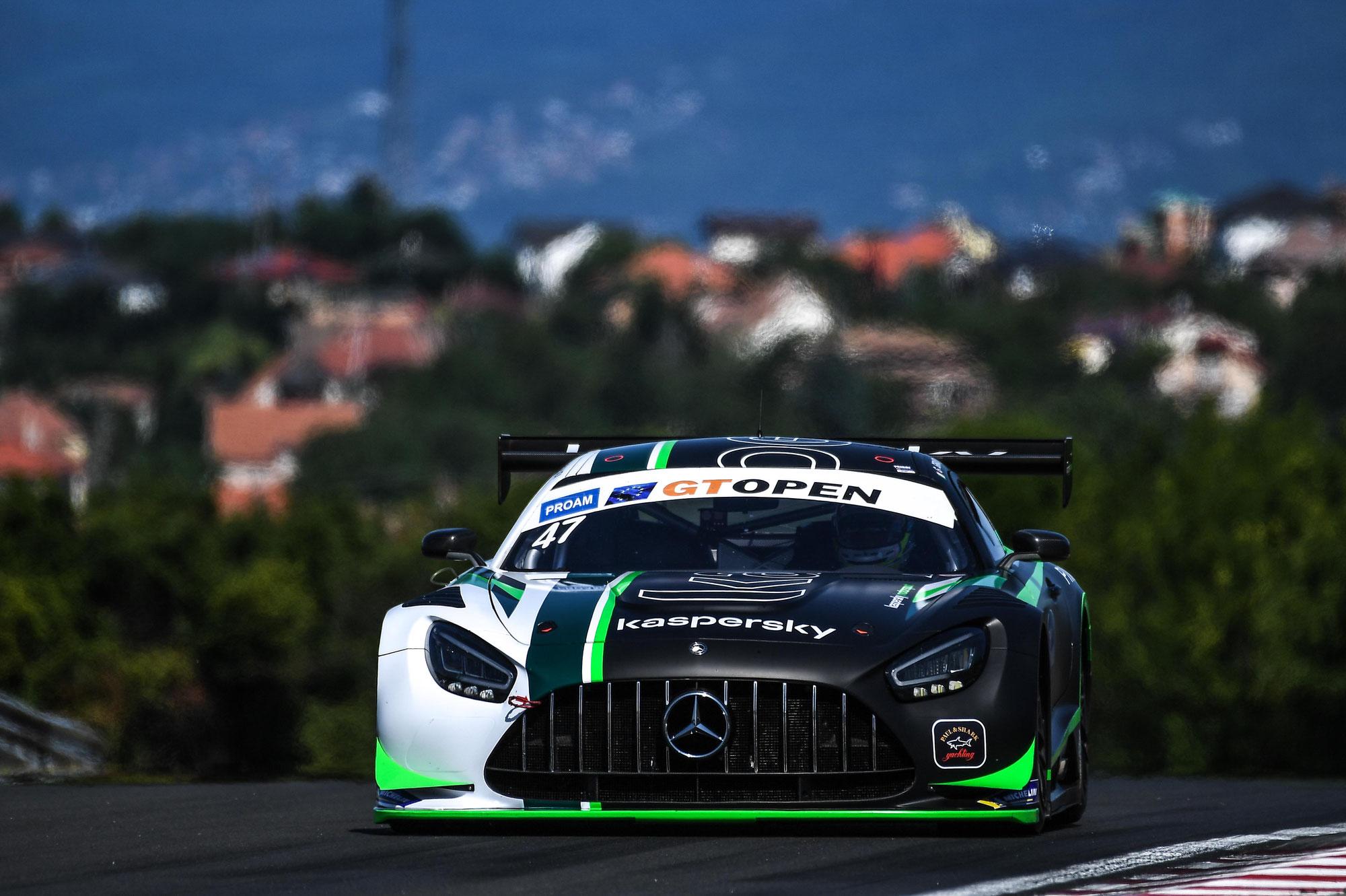 Loris Spinelli (AKM Mercedes) holt erste Pole auf dem Hungaroring