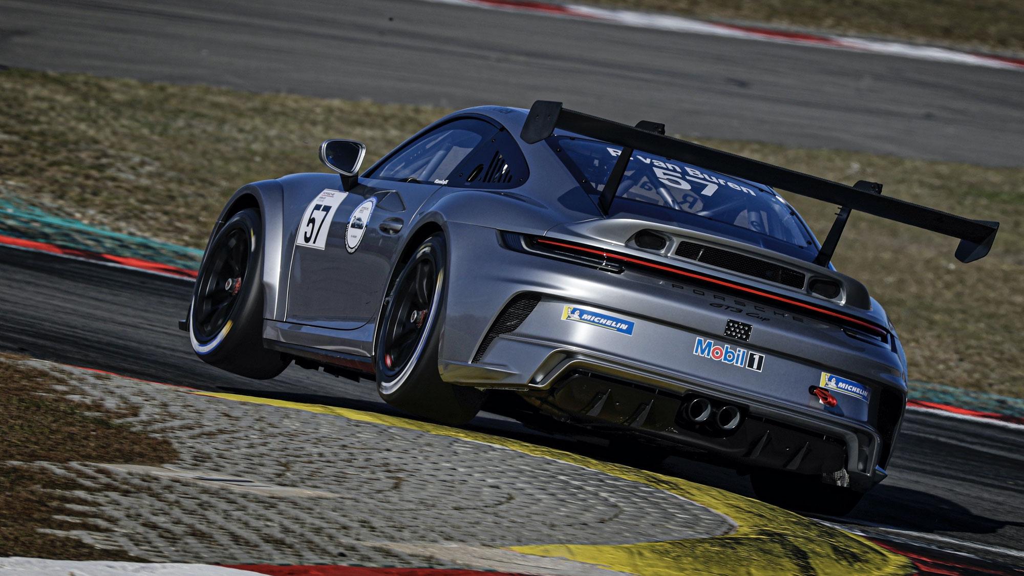 Warmlaufen für den Carrera Cup Deutschland