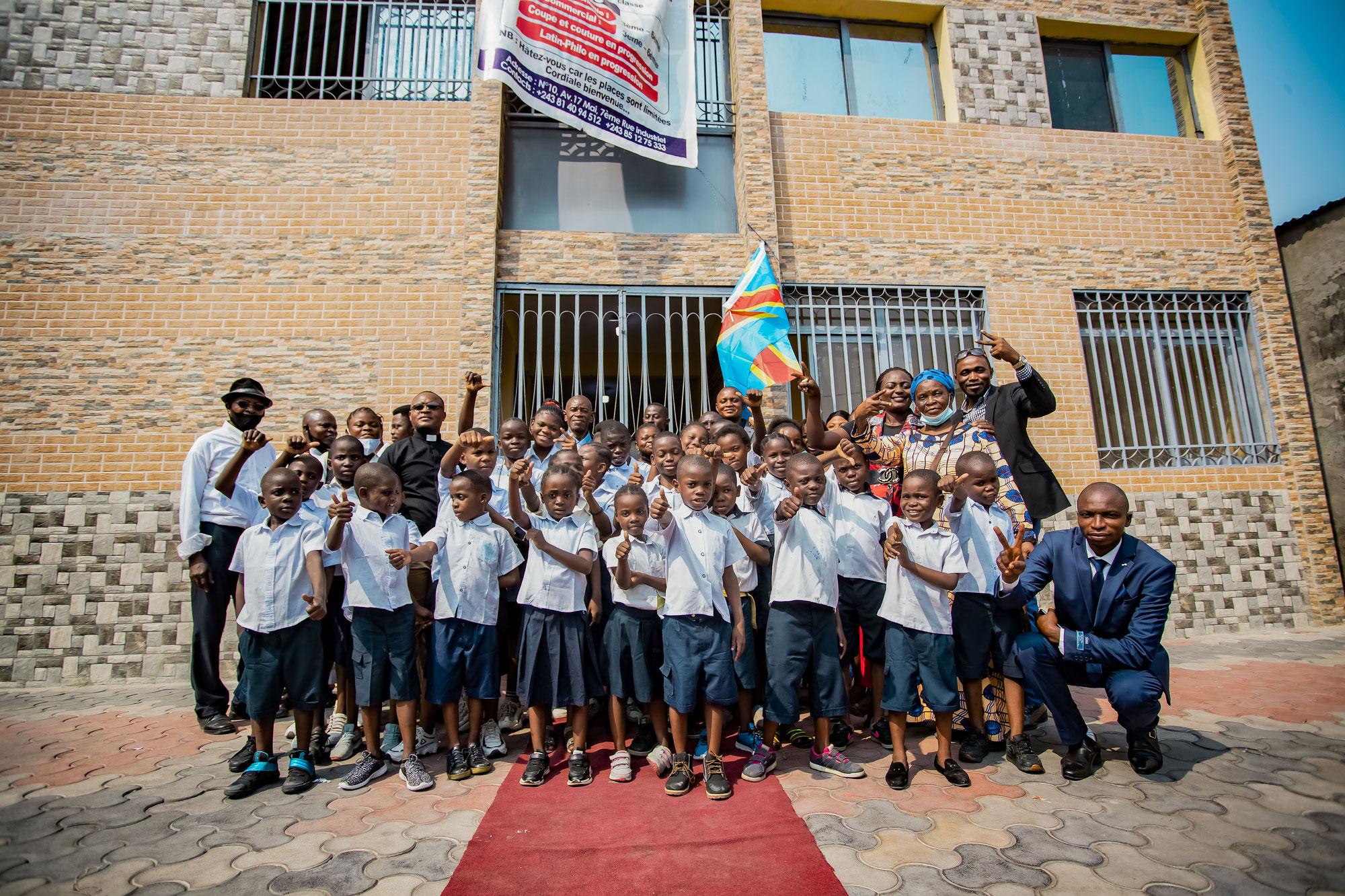 Renovierte St. Charles Grundschule wird offiziell eingeweiht