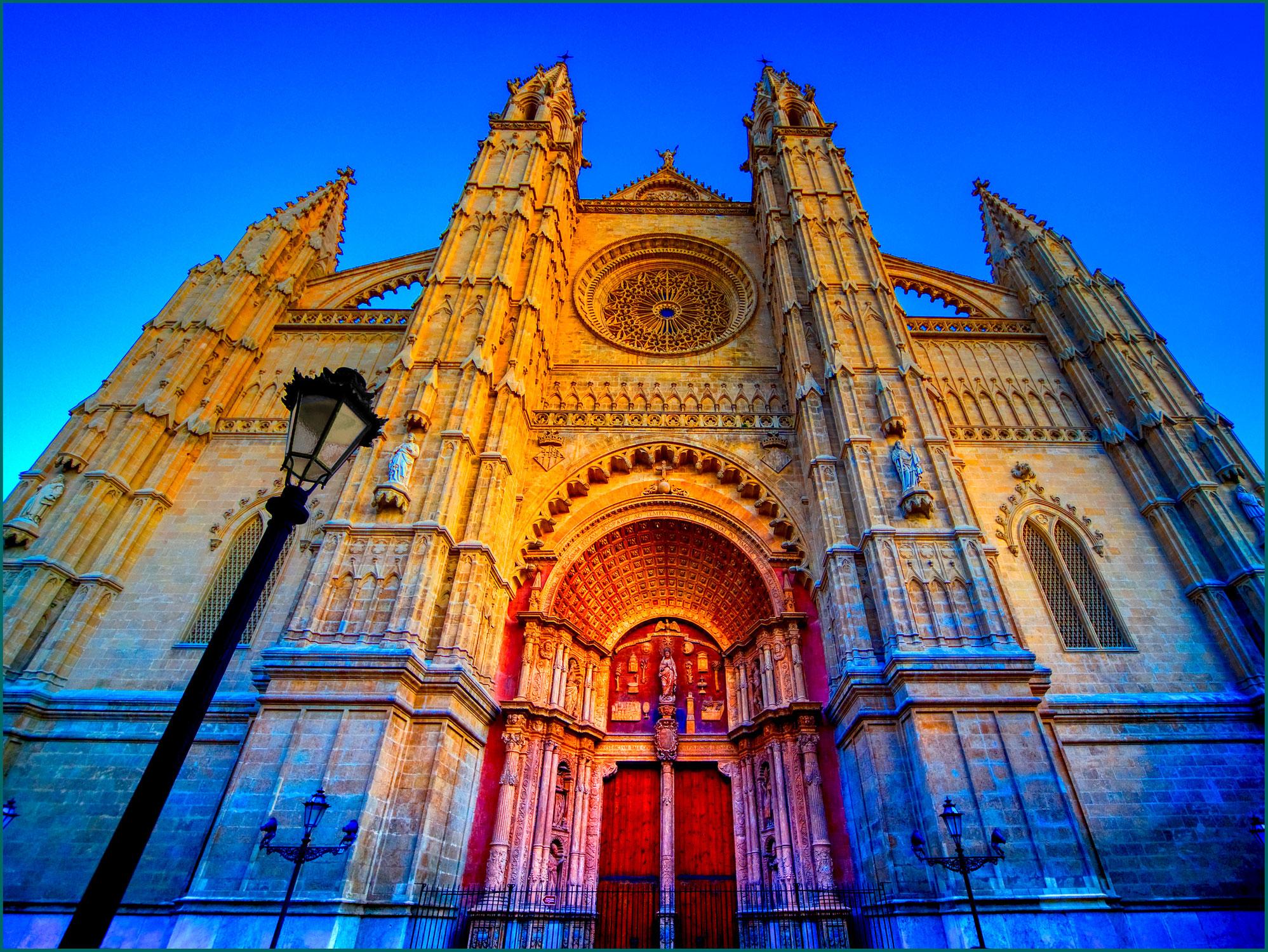 Os portais da Catedral de Palma