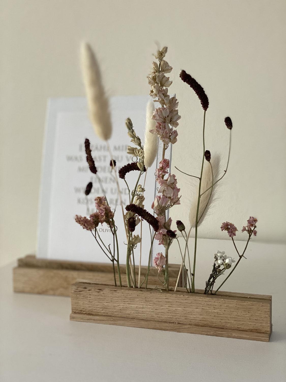 Tockenblumenleiste und Kartenhalter aus Klötzchen