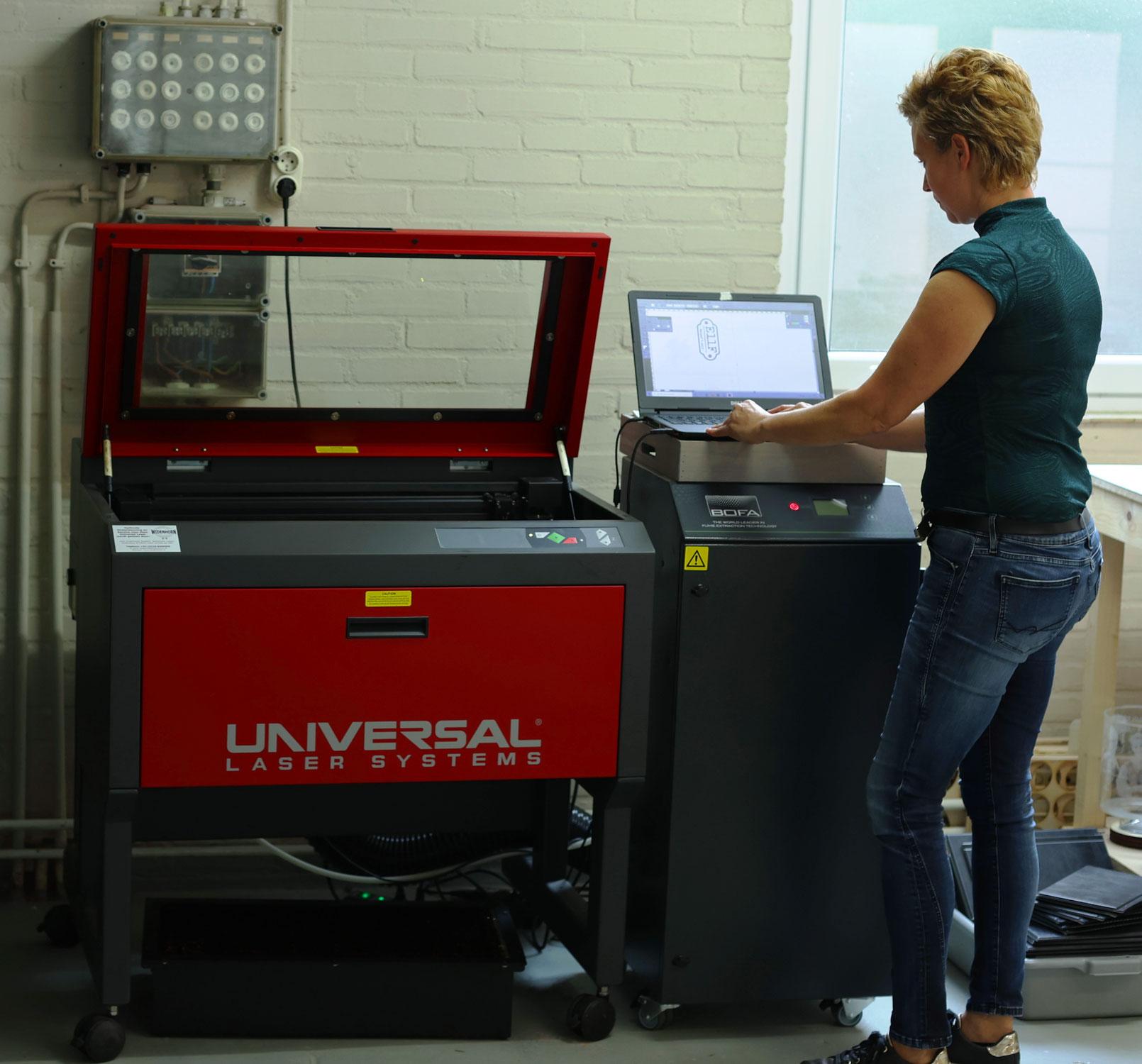 SandD-art maakt unieke gepersonaliseerde producten met de Universal Laser van Widenhorn