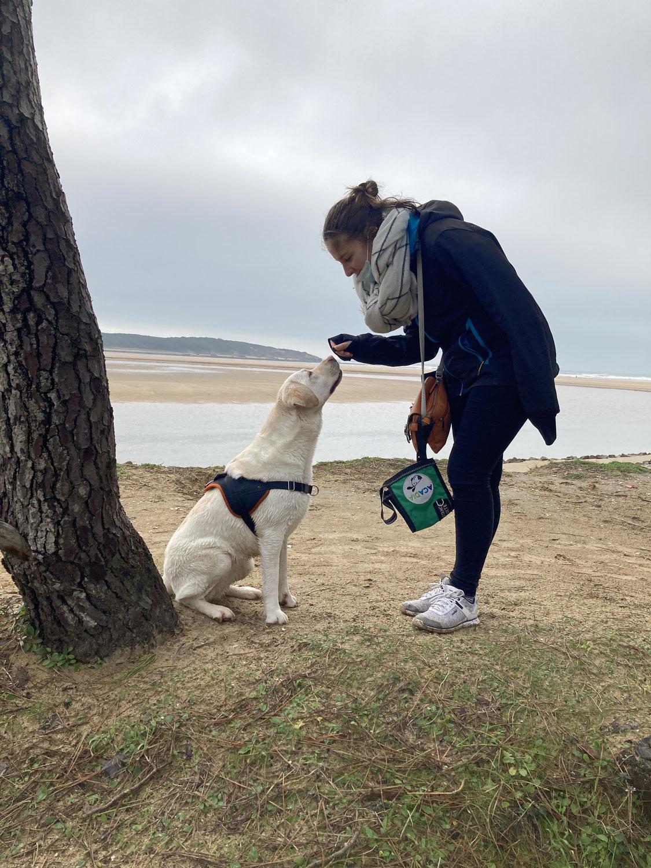 Rencontre avec Janelle, volontaire pour l'association Acadia et bénéficiaire d'un chien d'assistance
