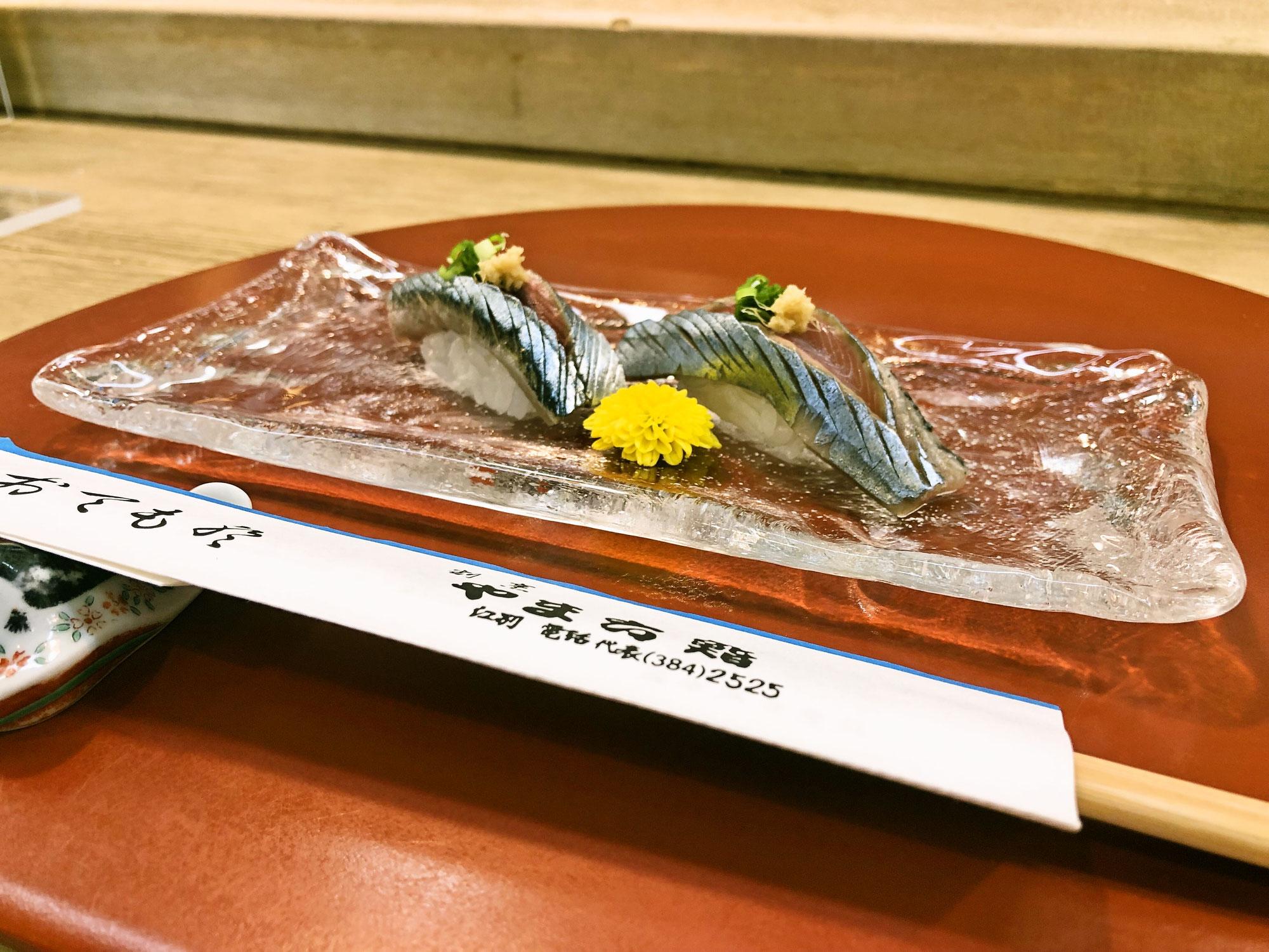 今が旬 秋刀魚の握り