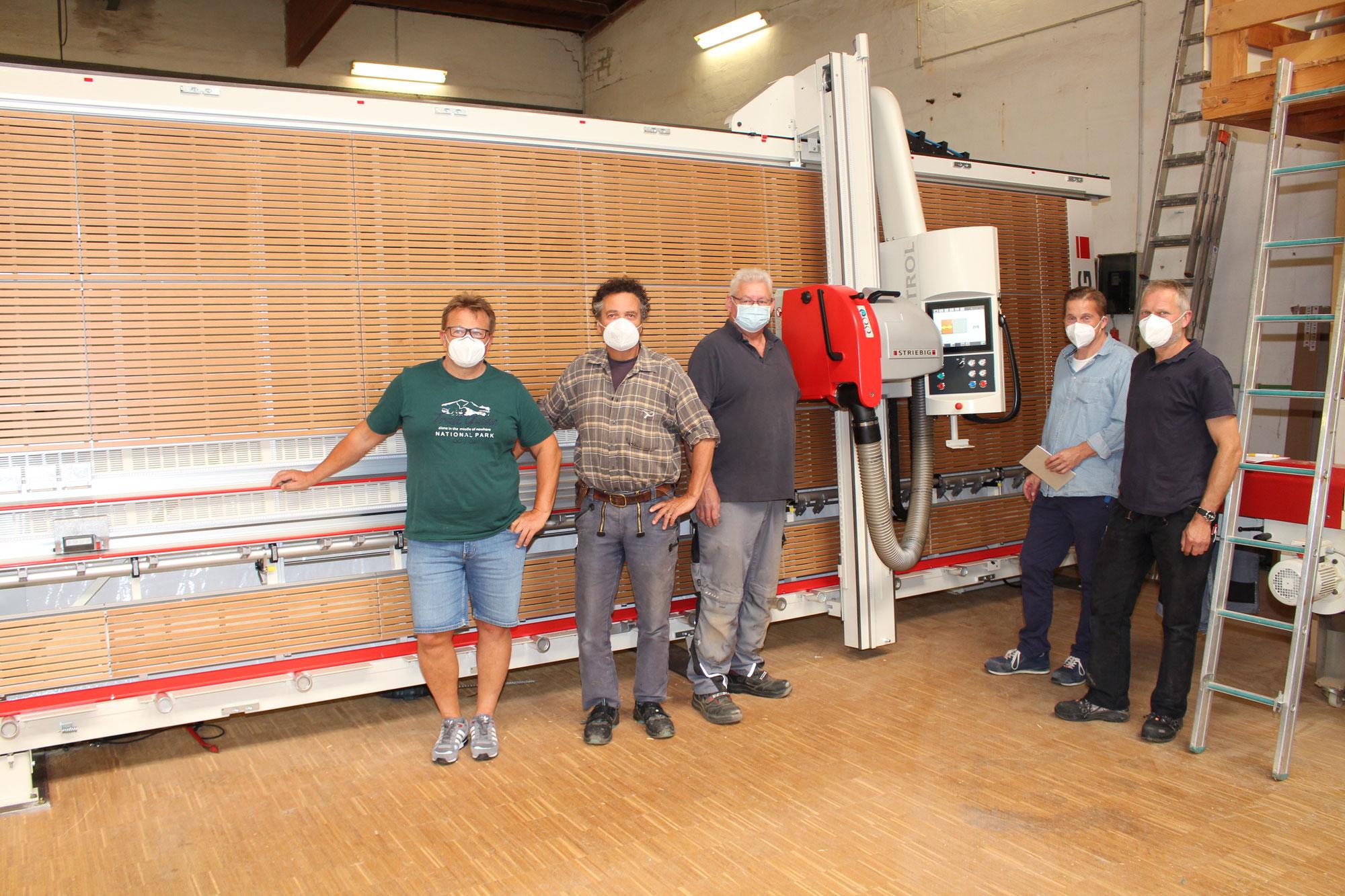 Automatische Plattensäge an der Holzfachschule
