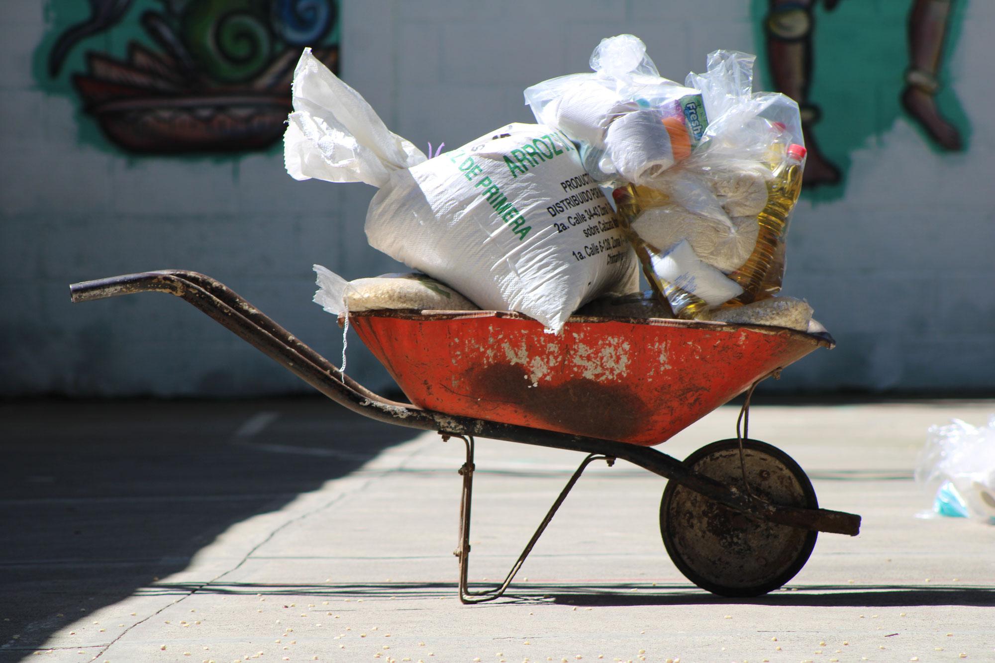 Coronahilfe: Erneut Lebensmittelpakete im Armenviertel Las Rosas verteilt