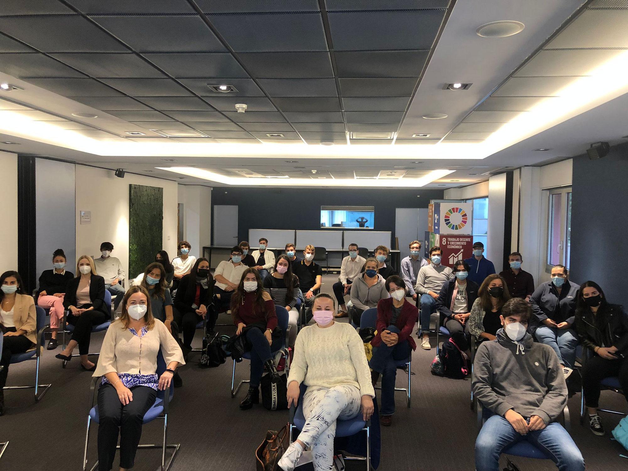 La Cámara de Comercio Alemana en España da la bienvenida a los nuevos alumnos