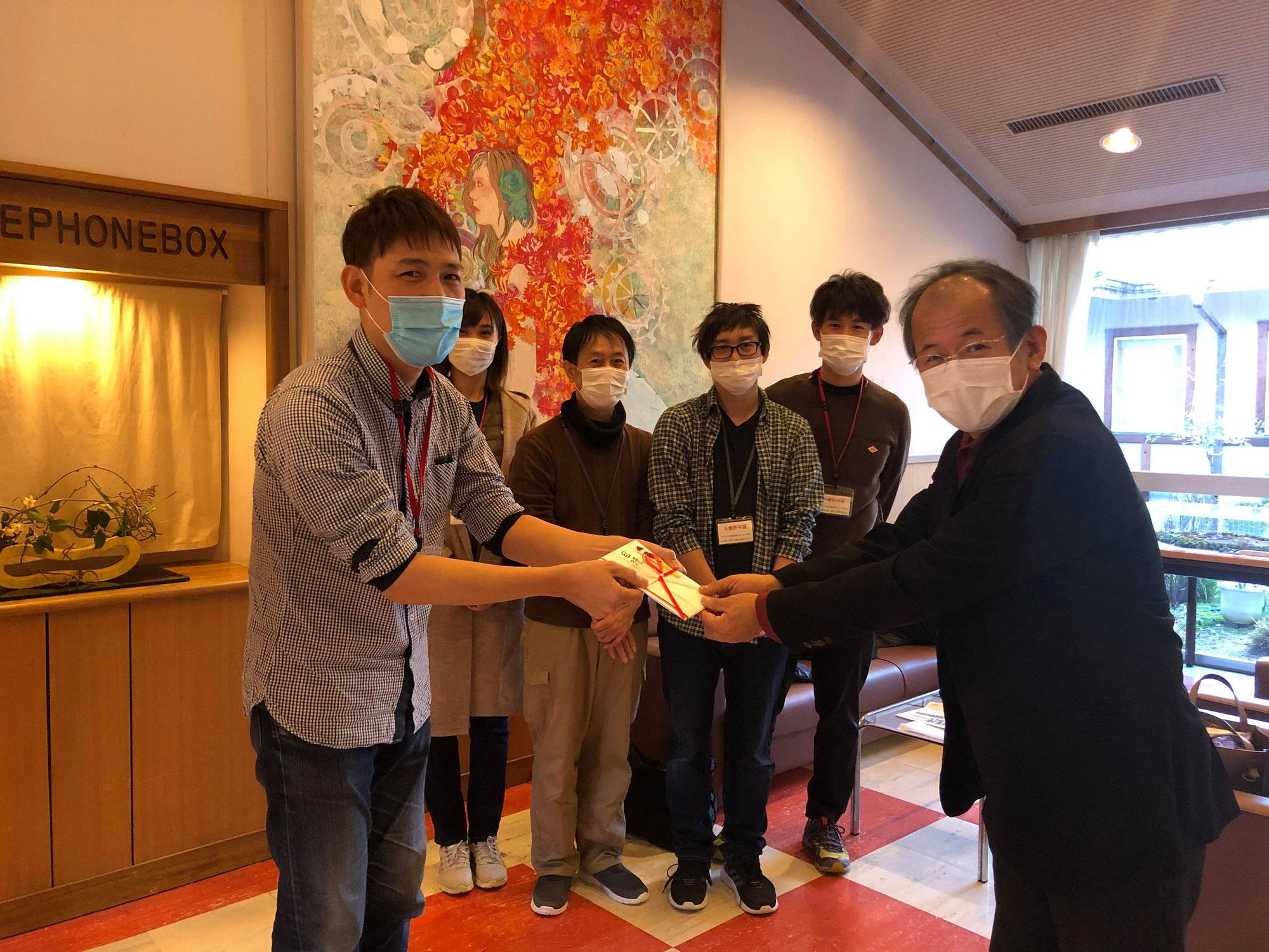 理容ボランティア活動 フォトコン入賞者が賞金を寄付